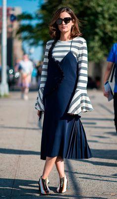 Street style look com slipdress.