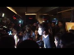 2 STATES Alia Bhatt & Arjun Kapoor MOBBED by fans at PVR.