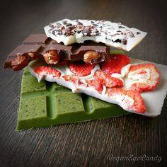 Du suchst nach einem leckeren veganen gesunden Schokoladenrezept? Hier kommt es in vierfacher Ausführung!