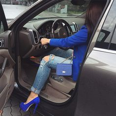 Imagen de fashion, bag, and blue Baby Girl Pictures, Girl Photos, Chic Outfits, Girl Outfits, Look Fashion, Girl Fashion, Dps For Girls, Massage Girl, Girls Driving