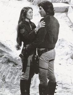 Serina (Jane Seymour) and Capt. Apollo (Richard Hatch) - Battlestar Galactica (Episode Lost Planet of the Gods, Part 2 (First Aired October Sci Fi Tv, Sci Fi Books, Jane Seymour, Battlestar Galactica Cast, Kampfstern Galactica, Richard Hatch, 1970s Tv Shows, Image Film, Best Blenders