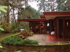 Exterior of the Frank Lloyd Wright-designed Brandes home, in Sammamish, Wash. Photo: EcoHome Foundation