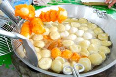 Fishball and Kwek-kwek, Philippines Street foods :) #FilipinoFood #Philippines