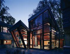 Sprawling Contemporary Glenbrook Residence