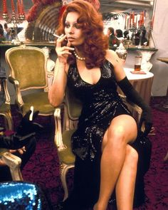 """1974 ❤️ Filming """"La Pupa del Gangster"""" #SophiaLoren #MarcelloMastroianni #Italy #Italian #Film #Movie #Picture #Icon #Legend #1970s"""