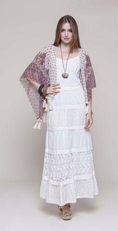 Kimono @mdmfashion con estampado floral y flecos #regalo #DiadelaMadre
