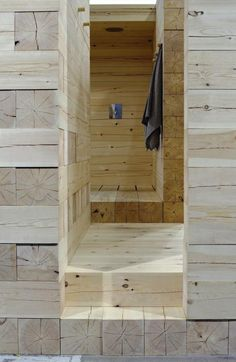I would LOVE to have a sauna! Sauna designed in Finland of massive logs on a plot five by six meters. Home Interior, Interior And Exterior, Interior Design, Interior Decorating, Design Sauna, Architecture Details, Interior Architecture, Modern Saunas, Outdoor Sauna