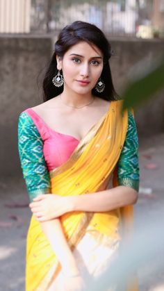 Best Beautiful Hot Indian Actress and Models High Resolution Wallpapers [HD] Beautiful Girl Indian, Most Beautiful Indian Actress, Beautiful Girl Image, Beautiful Saree, Beautiful Women, Beautiful Models, Beautiful Outfits, Cute Beauty, Beauty Full Girl