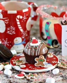 Christmas Snacks, Christmas Goodies, Christmas Eve, Chocolate Bomb, Melting Chocolate, Christmas Hot Chocolate, Hot Cocoa Mixes, Sugar Candy, Mini Marshmallows