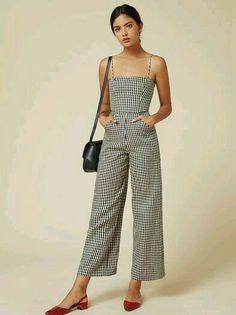 Women's fashion, trends, looks, editorials and details in 2018 Look Fashion, Fashion Beauty, Fashion Outfits, Womens Fashion, Fashion Trends, Japan Fashion, Street Fashion, Jumpsuit Denim, Gingham Jumpsuit