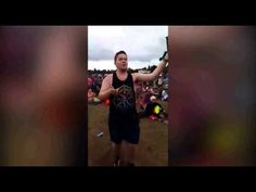 Watch Guy dancing ''Uptown Funk'' at 'T in the Park' (FIXED)