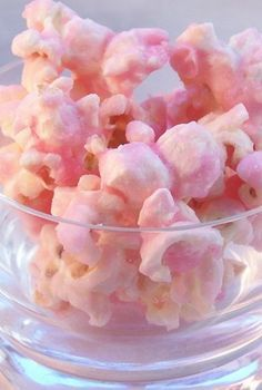 December Bucket List: Make pink popcorn to go along with all the other zany ideas in our book Santa's Night Before Christmas (Zany, Wacky, Just Not Right! Pink Popcorn, Candy Popcorn, Yummy Treats, Sweet Treats, Yummy Food, Popcorn Recipes, Snack Recipes, Baby Shower Snacks, Pink Desserts