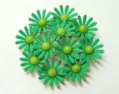 Vintage Weiss Green Enamel Round Flower Power Brooch