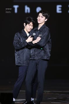 """Sebaek on Twitter: """"Theres no such thing as sehun and bbh fansites rn ... Its all sebaek they cant avoid it https://t.co/eGCrN6mPrO"""""""