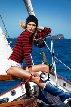 Model Edita Vilkeviciute hits the high seas, sailor style in casual French classics chosen by stylist Geraldine Saglio. Gilles Bensimon commands the lens in 'Calme blanc' for Vogue Paris May Vogue Paris, Edita Vilkeviciute, Freja Beha Erichsen, Sailor Fashion, Mode Editorials, Fashion Editorials, Nautical Fashion, Nautical Style, Yachts