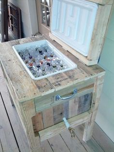 pallet projects cooler stand