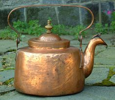 Antique Copper Tea Kettle circa 1800 -- I have a tea kettle similiar to this one that my grandmother brought with her from Sweden in Copper Pots, Copper Kitchen, Copper And Brass, Antique Copper, Copper Vessel, Copper Tea Kettle, Color Of The Day, Bronze, Chocolate Pots
