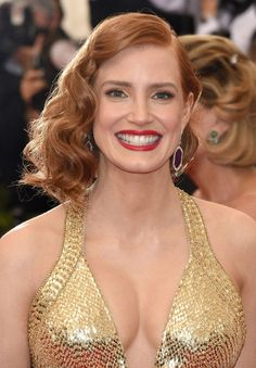 Jessica Chastain - Met Gala 2015 Hair and Make Up Jessica Chastain, Actrices Sexy, Actress Jessica, 2015 Hairstyles, My Hairstyle, Beautiful Redhead, Beautiful Smile, Classic Beauty, Up Girl