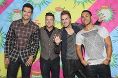 Big Time Rush on the Red Carpet At The Kids Choice Awards Mexico 8/30/13 al normal but then theres kendlall