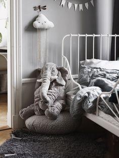 Beautiful Interior Design, Home Interior Design, Kids Barn, Kids Decor, Wall Colors, Kids Bedroom, Room Inspiration, Baby Kids, Nursery