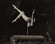 Stephane Graff (British-French, born 1965) Mongolian Contortionist, 1991 . Palladium print / Movement <3