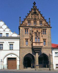 Česko, Kutná Hora - Kamenný dům Prague, Most Beautiful Pictures, Beautiful Places, Czech Republic, Notre Dame, Barcelona Cathedral, Castles, City, Travel