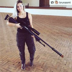 Airsoft hub is a social network that connects people with a passion for airsoft. Talk about the latest airsoft guns, tactical gear or simply share with others on this network Big Guns, Cool Guns, Awesome Guns, Custom Glock, Hunting Girls, Combat Knives, Great Beards, Best Pocket Knife, Female Soldier
