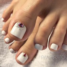 New Spring Pedicure Designs Toenails 17 Ideas Toe Nail Color, Toe Nail Art, Nail Colors, Pretty Toe Nails, Fun Nails, Pretty Pedicures, French Nails, French Manicures, French Toes