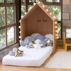 Cama montessoriana - ideias e dicas Baby Bedroom, Girls Bedroom, Room Baby, Bedroom Ideas, Bedroom Decor, Baby Decor, Kids Decor, Boy Room, Kids Room