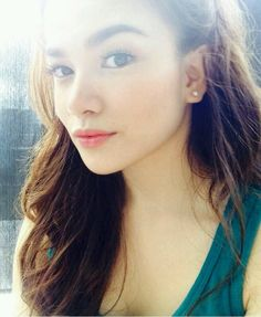 Elisse Joson Filipino, Beauty Women, Makeup Looks, Daughter, Make Up, Portraits, Snow, Asian, Actresses