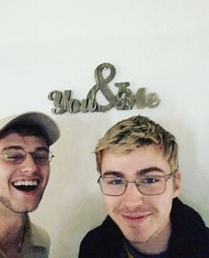 13 reasons why cast miles heizer and brandon flynn