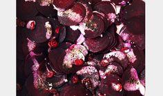 Rødbedesalat med tranebær, lakrids og flødedressing