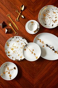 Entertaining: Jonathan Adler Dishes