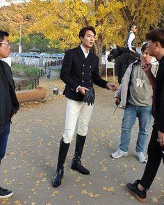 Lee Min Ho, filming The King. Jung So Min, Asian Actors, Korean Actors, Korean Dramas, Asian Boys, Asian Men, First Lady Portraits, Legend Of Blue Sea, Lee Min Ho Photos