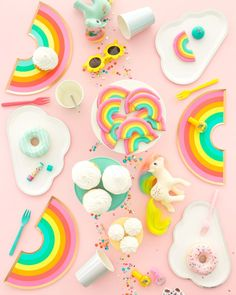 I am OBSESSED with these rainbow plates from the Oh Happy Day shop! {My Little Pony Kidchella Party Rainbow Parties, Rainbow Birthday Party, Diy Birthday, Birthday Parties, Rainbow Theme, Rainbow Colors, Decor Wedding, Party Wedding, Dress Wedding