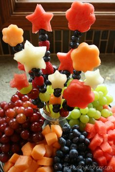 How to Make Fruit Bouquets and Fruit Kabobs - You'll love this quick, easy trick! Make healthy, stunning fruit bouquets for party trays or pretty fruit kabobs for fun, nutritious kids' snacks! So impressive! From Two Healthy Kitchens