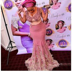 Slayed @ayabamobola #asoebispecial #asoebi #speciallovers #makeup #wedding @adeayomedia