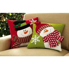 Set of 2 Holiday Snowman Accent Pillow Covers from Collections Etc. Christmas Makes, Noel Christmas, Christmas Stockings, Christmas Ornaments, Christmas Sewing, Christmas Projects, Holiday Crafts, Christmas Quilting, Christmas Cushions