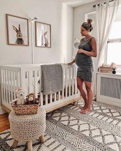Decorate a Gender-Neutral Baby Nursery in Your Contemporary Home Baby Nursery Decor, Baby Decor, Girl Nursery, Girl Room, Project Nursery, Baby Animal Nursery, Babies Nursery, Nursery Bedding, Boy Nursery Rugs