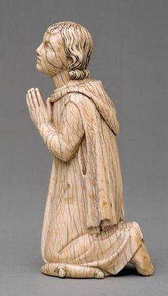 Kniender Stifter Paris  um 1330  Statuette  Elfenbein  H. 15,5 cm