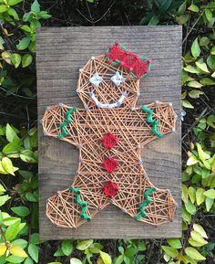 This gingerbread Woman string art wood sign measures 5 x 7 and is made on and Espresso stained pine. Each sign arrives ready to hang with a sawtooth hanger already attached Disney String Art, Nail String Art, String Crafts, Watercolor Christmas Cards, Christmas Angels, Xmas, String Art Patterns, Arts And Crafts, Diy Crafts