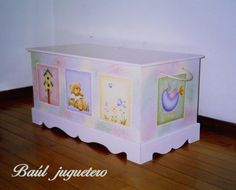 Baul Baby Nursery Decor, Nursery Room, Girl Nursery, Girl Room, Baby Room Furniture, Furniture Decor, Painted Furniture, Toy Boxes, Vintage Toys