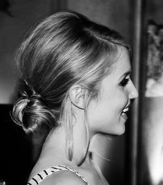 simple, sleek, chic hair. and perfect profile.