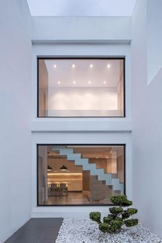 Interior design House SM by Nonna Design. Light Architecture, Amazing Architecture, Architecture Details, Interior Architecture, Atrium, Home Interior, Interior And Exterior, Interior Design, Modern Villa Design
