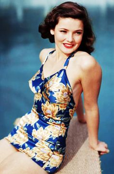 Gene Tierney c. 1940's.... This photo is all around beautiful.