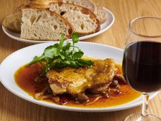 『パンとエスプレッソと』出身シェフによるパンを、朝から夜まで楽しめる!本郷三丁目のパン屋が早くも人気 - dressing(ドレッシング) Pork, Dressing, Meat, Kale Stir Fry, Pork Chops