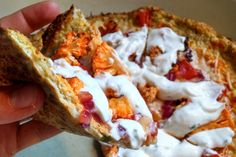 You're my best frienemy. I love you but hate myself after I eat 4 pieces and spend the rest of the night bloated on the couch. Luckily, cauliflower stepped in and made itself usef… 21 Day Fix, Low Carb Recipes, Cooking Recipes, Healthy Recipes, Healthy Foods, Healthy Cooking, Healthy Eating, Cauliflower Crust Pizza, Raw Cauliflower