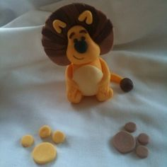 Handmade Edible Raa Raa the noisylion cbeebies cake topper decoration figure 2 Birthday Cake, Boy Birthday, Cbeebies Cake, Cake Decorations, Archie, Cake Ideas, Cake Toppers, Icing, Teddy Bear