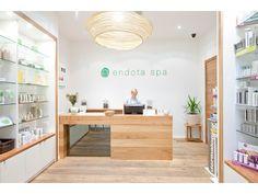 Illustration Brief / Endota Spa - wooden counter, white walls.