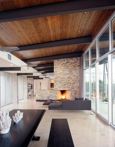 Modern compound in Texas hill country: Trahan Ranch designed.-Modern compound in Texas hill country: Trahan Ranch designed by Patrick Tighe Ar… Modern compound in Texas hill country: Trahan Ranch designed by Patrick Tighe Architecture - Timber Ceiling, Wooden Ceilings, Metal Ceiling, Black Ceiling, Ceiling Wood Design, Wood Celing, Painted Wood Ceiling, Timber Roof, Timber Cladding